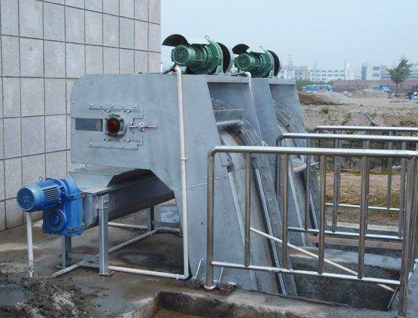 XFHG型反捞式格栅除污机